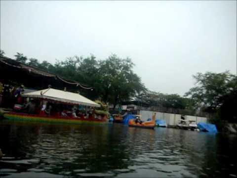 Naik Perahu Naga Dari Kampung Cina Mengelilingi Fantasy Island Kota Wisata Cibubur Bogor Indonesia