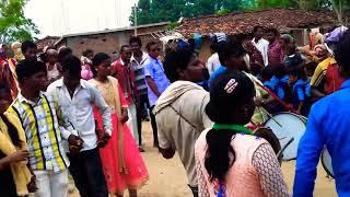 #Sambalpurimuzicpresents #Sambalpuridance New weeding dance in Sambalpuri song 2019