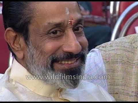 Download Sivaji Ganesan receives Dadasaheb Phalke award
