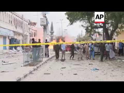 Mogadishu - Dramatic pictures of explosion in Somalia | Editor's Pick | 25 Jan 17