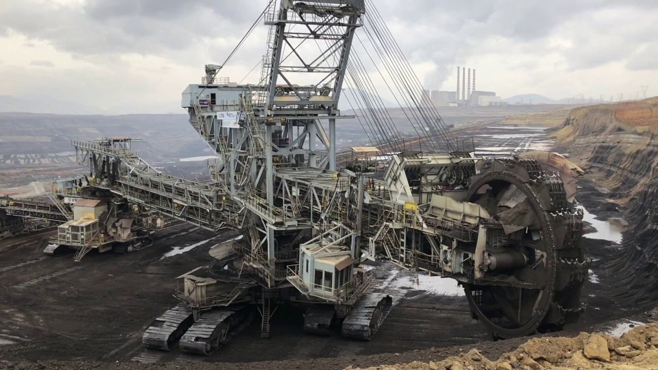 Bucket Wheel Excavator Coal Mining Excavation Youtube