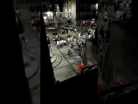 La irresponsabilidad se mantiene en las calles de Santander tras el cierre de los bares