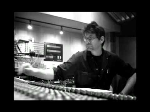 Steve Albini talks about some of his recording techniques.mp4