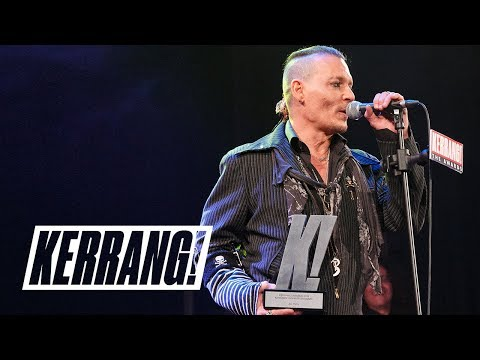 JOHNNY DEPP awards JOE PERRY: Kerrang! Awards 2018