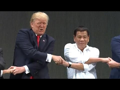 Philippines President Duterte Serenades Trump: 'You Are the Light in My World'