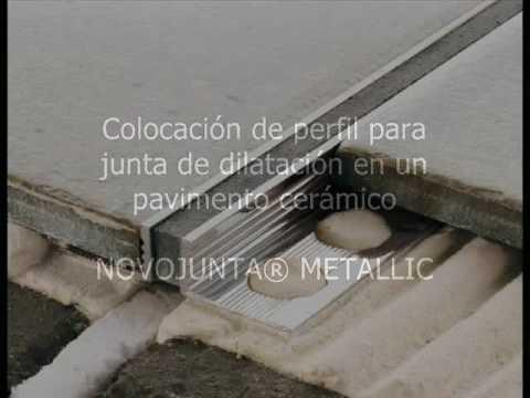colocacin de junta de dilatacin metlica en pavimento cermico