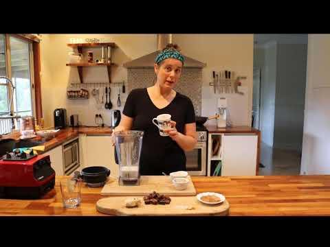 Almond & Brazil nut Chocolate Smoothie