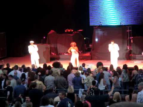 Hues Corporation—Rock the Boat—Live @ Greek Theatre Los Angeles 2008-06-07