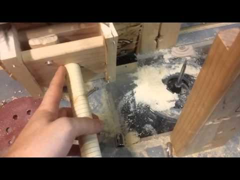 Cut wooden nut threads with a router