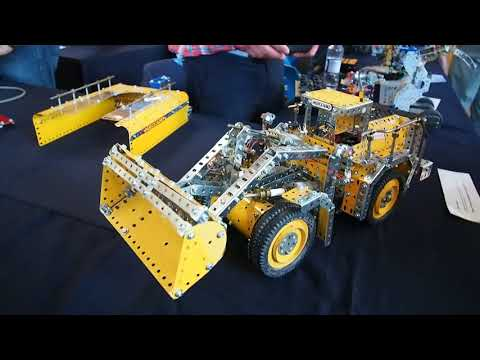 Meccano model of Volvo Wheeled Loader by Bill Ayling
