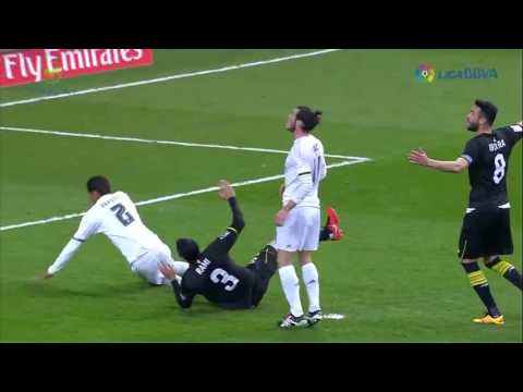 Highlights  Real Madrid 4     0 Sevilla  La Liga  New Flash Game