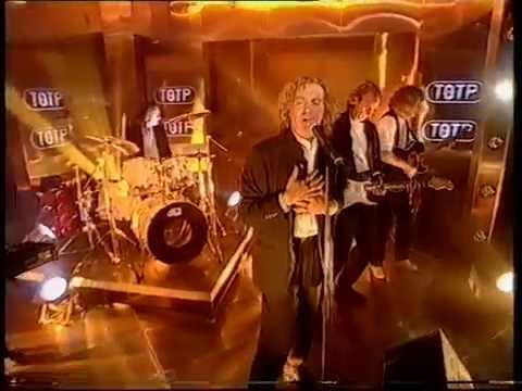 Mike & The Mechanics - A Beggar On A Beach Of Gold - Top Of The Pops - Thursday 22nd June 1995-