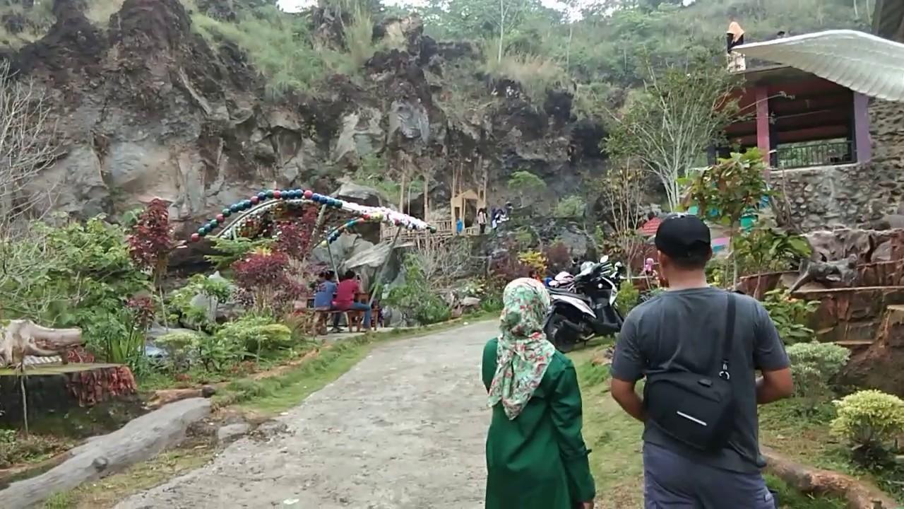 Review Weekend Di Taman Batu Hanjuang Kuningan Cirebon