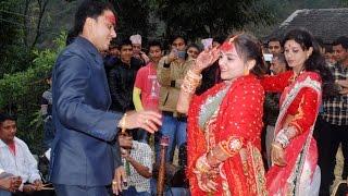 आफ्नै बिहे मा बेहुला बेहुली को दोहोरि नाच Beautiful dance by wedding couple at panche baja