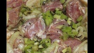 МЯСО, замаринованное в КИВИ. Очень быстро .Мясо под сыром.