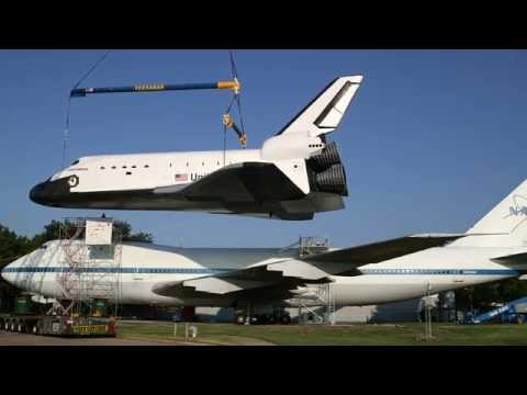 Independence shuttle replica on permanent display at Space Center Houston