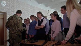 Сотрудники ФСБ провели урок мужества в одной из новосибирских школ