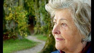 История про бабушку, которая каждый год продает свою квартиру