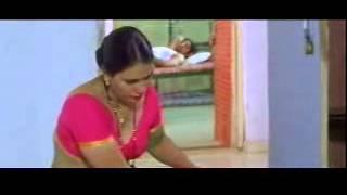 Mallu Hot maid Cleavage Scene