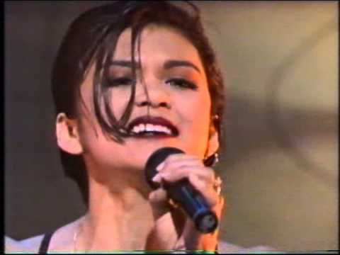 Nia Peeples - Kissing The Wind - LIVE on Hey Hey Its Saturday (Australia)