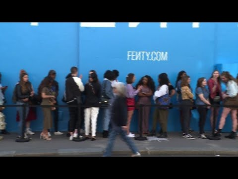 AFP news agency: Rihanna fans queue to see singer's new Fenty collection