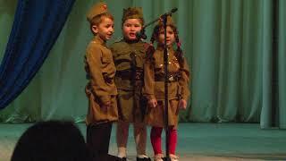 На сцене самые маленькие - Садик №3 г. Адыгейска