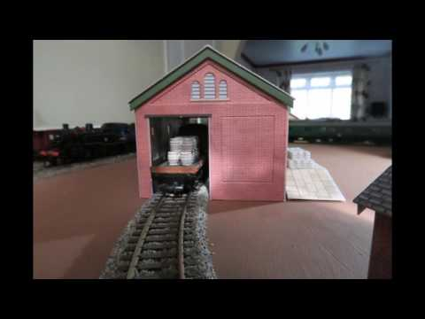 Adventures with Metcalfe Card Goods Shed Kit (slide show)
