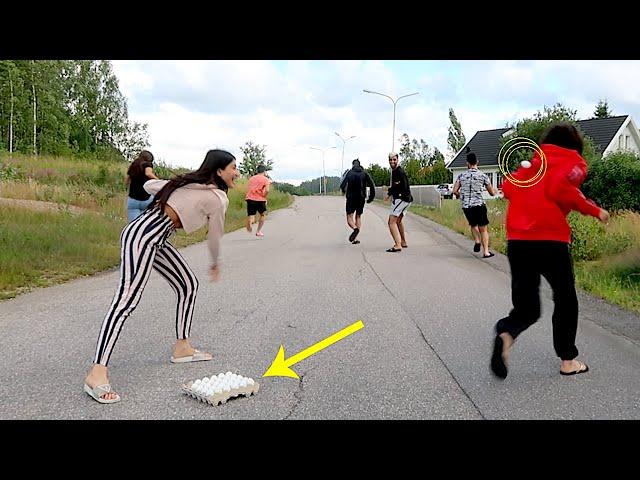 تحدي اركض قبل ما تنضرب بالبيض مع أخواتي