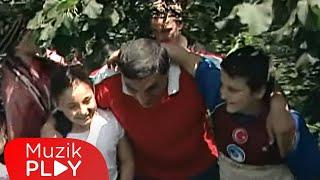 Yavuz Cemal Keskin - Fındık Bahçelerinde