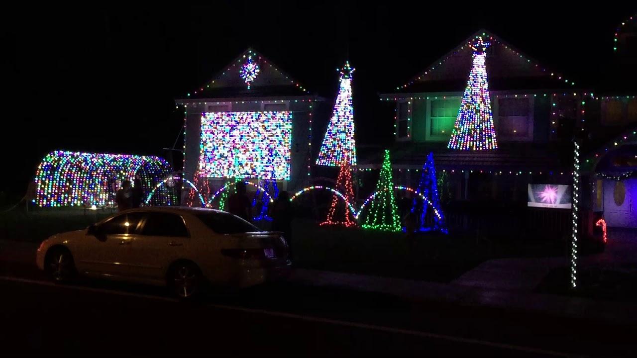 Computerized Christmas Light Show - YouTube