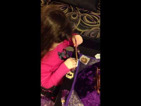 Lulu eat candy