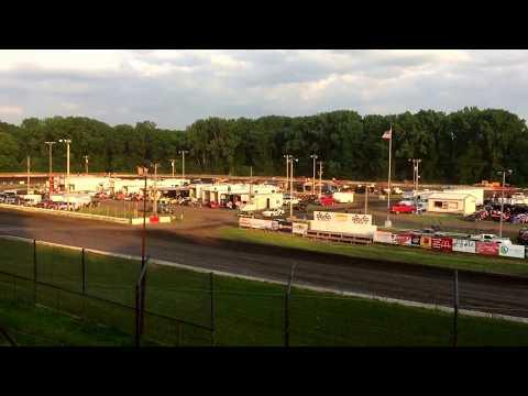 Hamilton County Speedway 6-10-17 Stock Car Heat 1