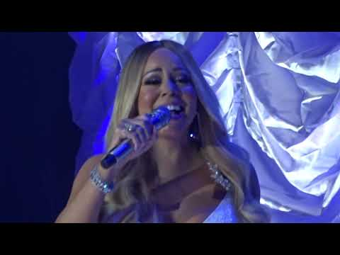 Mariah Carey  -  Christmas (Baby Please Come Home)  Live in Paris - 2018