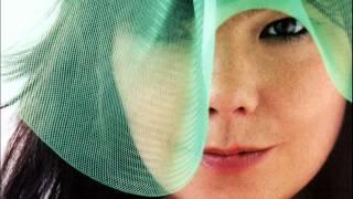 Björk - Sónar Festival, Barcelona (2003) [BBC audio-only recording of pre-concert mini set]