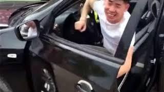 滴滴司机碰到个打车的美女,真是打车,结果差点把车拆了