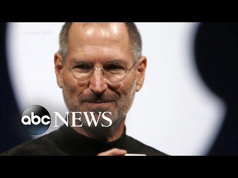 Apple makes history at $1 trillion mark