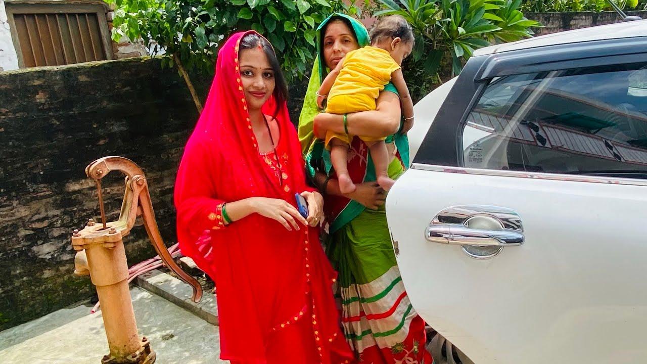 Pooja Or Mom Kha Ja Rhi Hai Subha Subha ☺️