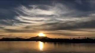 Download lagu  selang masa matahari terbenam Tebingan Sungai Kuching MP3