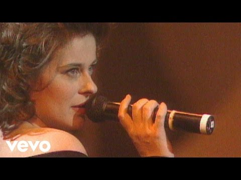 Lisa Stansfield - Nobody's Bizness If I Do (Live) (Real Life Documentary)