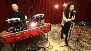 DJ Fresh feat. Ella Eyre - Gravity (live)