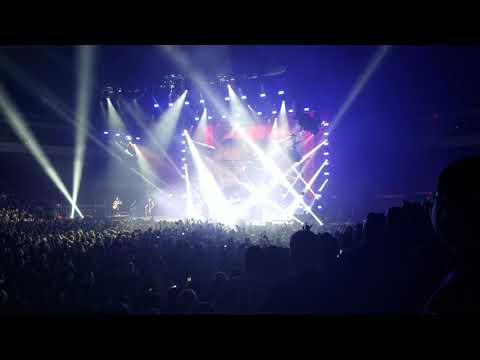 Five Finger Death Punch Intro and Trouble Live mp3