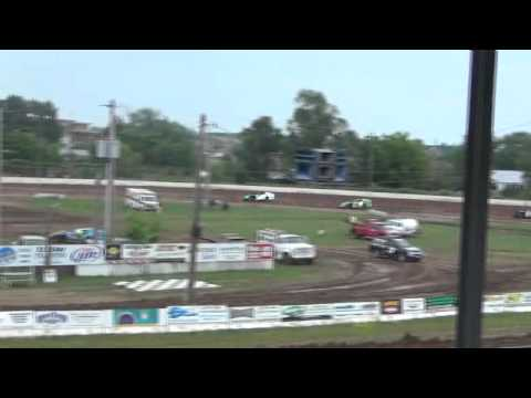 Jesse Glenz Wissota Mod Red Cedar speedway heat win june 15th