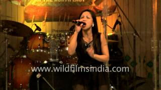 Video Gracyl Ropmay from Shillong sets Delhi stage on fire download MP3, 3GP, MP4, WEBM, AVI, FLV Mei 2018