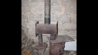 Как сделать отопление гаража, дачи... БУРЖУЙКА \ How to make a heating system in a garage(Чудо печка - сделал отопление гаража.Стандартные схемы объединил и дороботал в такое вот чудо :) Работает..., 2014-01-21T14:07:54.000Z)