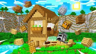 THIS MINECRAFT HOUSE BUILDS ITSELF!