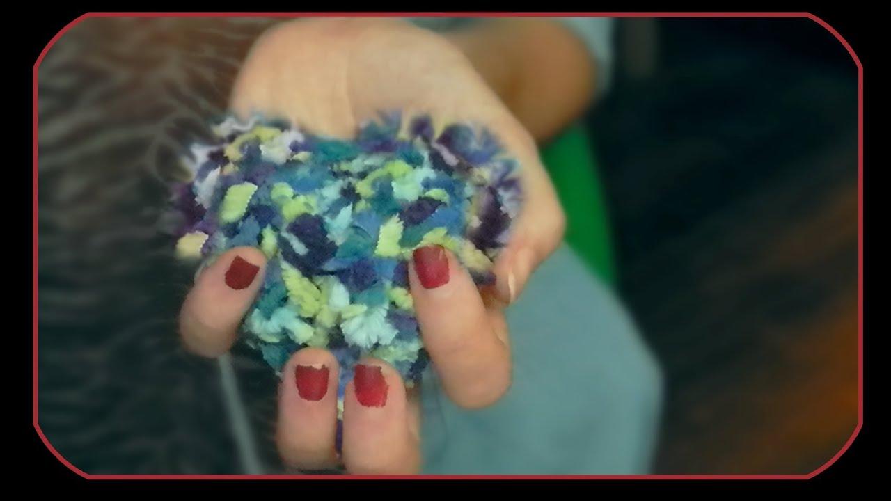 Pompones con formas de corazon y cubo manualidades - Manualidades en lana ...