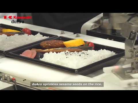 Packing Lunch Boxes at FOOMA Japan 2017 - Kawasaki duAro robot