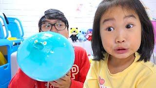 Boram brinca com balões mágicos ♥ Boram kids play with balloons