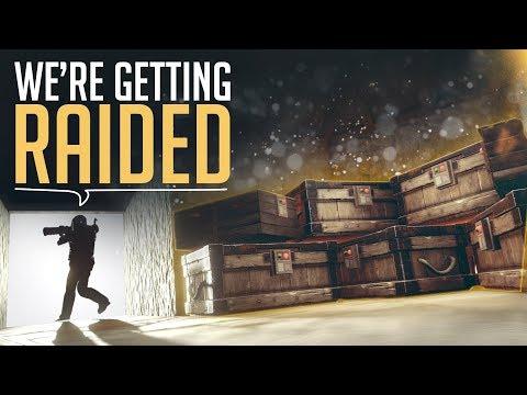 RAIDING WHILE GETTING RAIDED - Rust Raid Defence