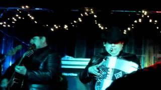 Grupo Pesado-A Chillar a otra parte En Chicago Febrero 2012